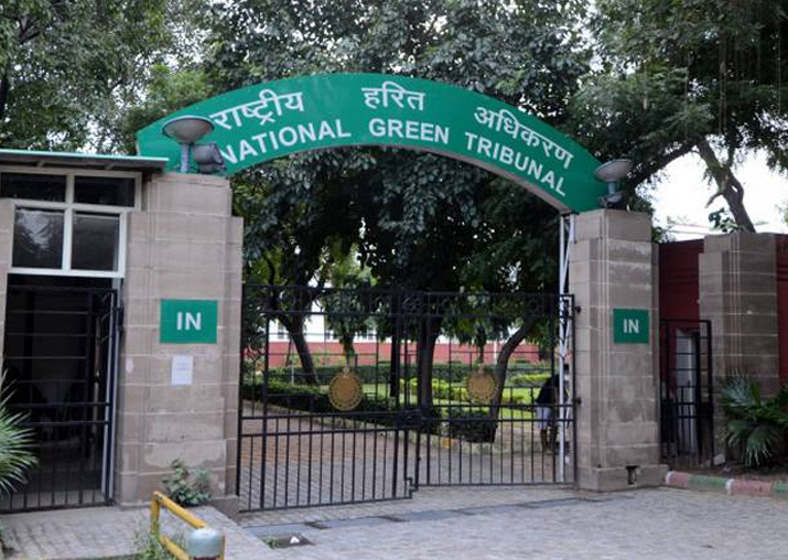 NGT directs Delhi govt to seize 10 year old diesel taxis