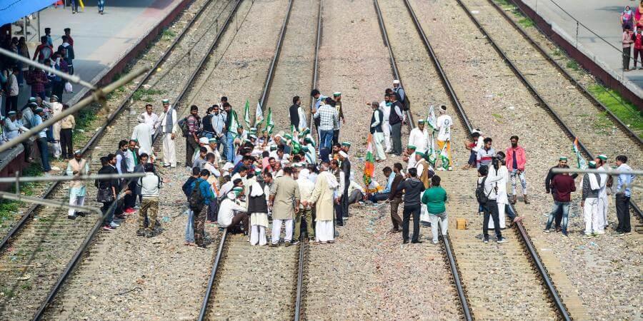 "indianrailwayssaysrailrokobyprotestingfarmershad""minimal""impactontrainservices"