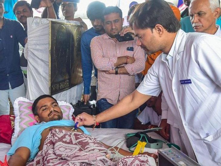Hardik Patel loses 20 kgs in hunger strike, Gujarat govt steps in