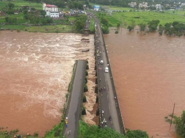 Mahad bridge collapse: Wreckage of buses located by divers