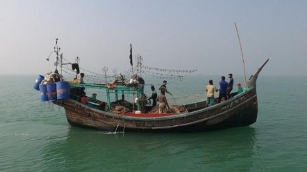 3 Tamil Nadu fishermen attacked, robbed mid sea by Lankan fishers