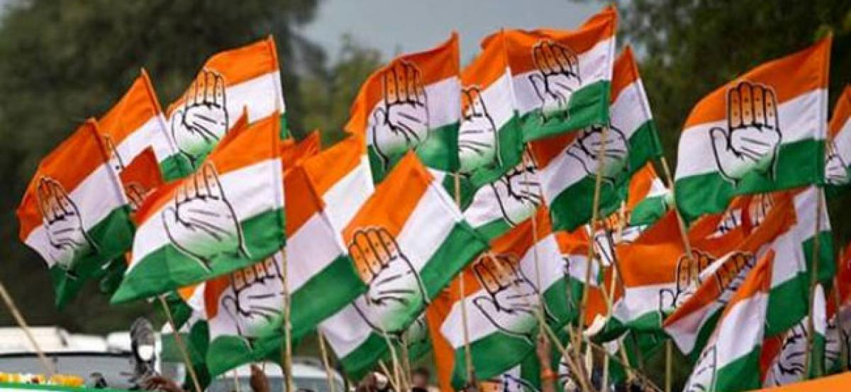 PM misleading country on vaccinations: Congress