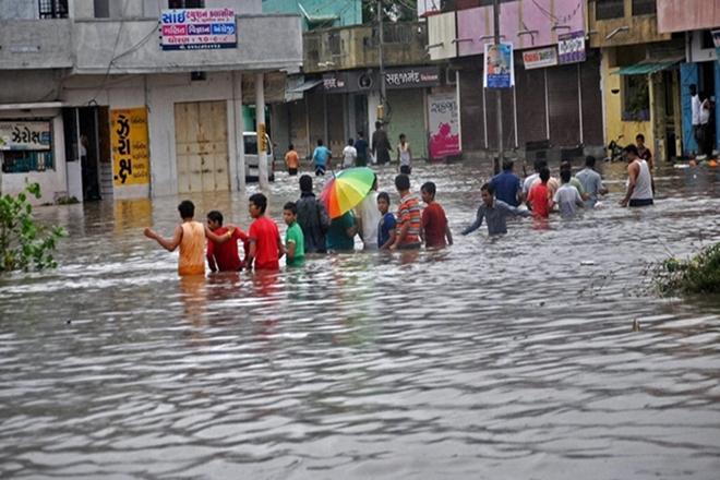 gujaratfloods:23000morepeopleshiftedtosaferplaces