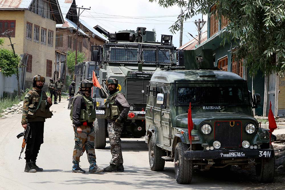 CRPF officer killed in militant attack in J-K