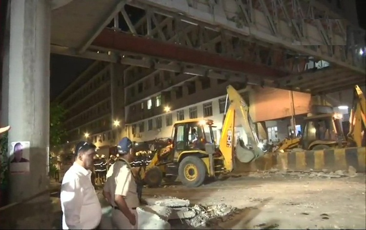 Death toll rises to six in Mumbai foot over bridge collapse