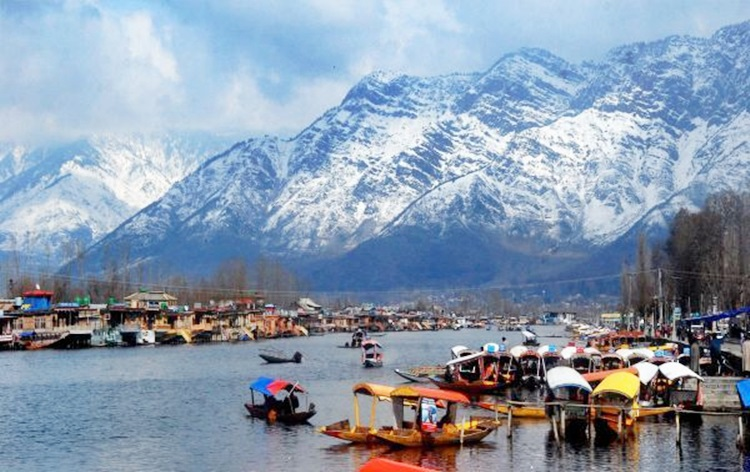 Restrictions on movement of tourists in Jammu and Kashmir to be lifted from Oct 10