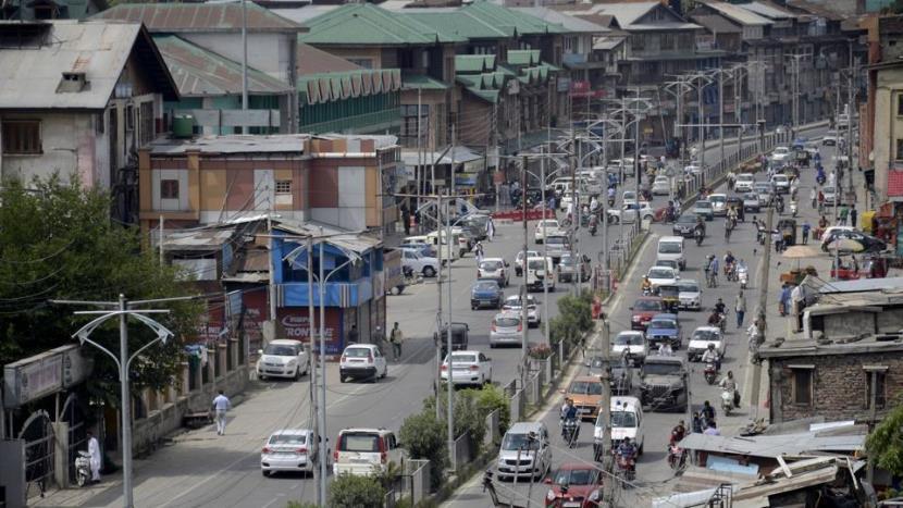 Public transport back on roads in Srinagar