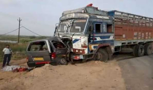 Nine persons killed in car-truck collision in Gujarat