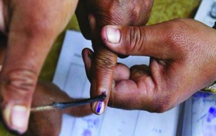 Re-polling being held in 4 centres of Gadchiroli-Chimur constituency