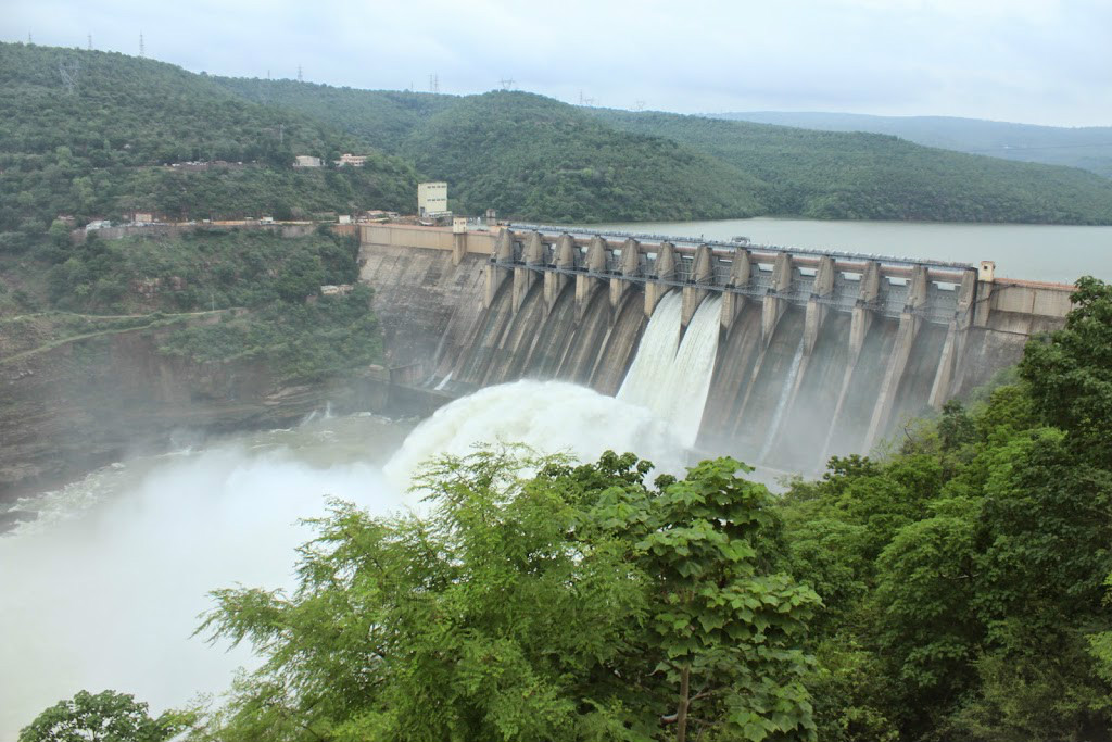 Heavy inflows into Srisailam dam