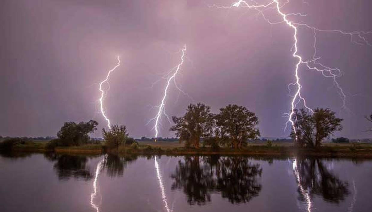 Lightning strikes in Bihar, 26 people killed