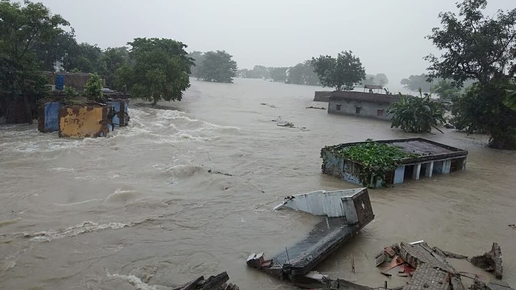 Bihar CM makes aerial survey as flood situation worsens, 66 lakh affected