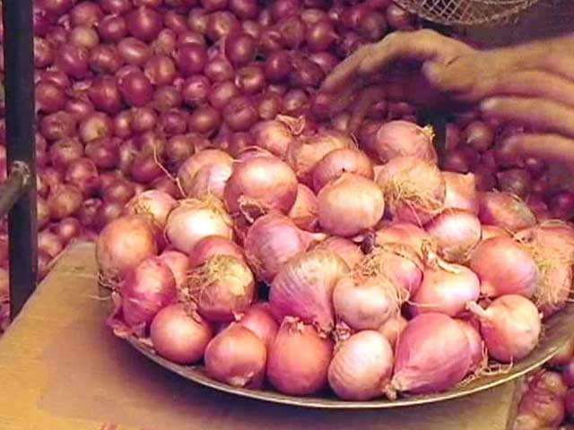 Delhi government orders market check after high onion, tomato prices