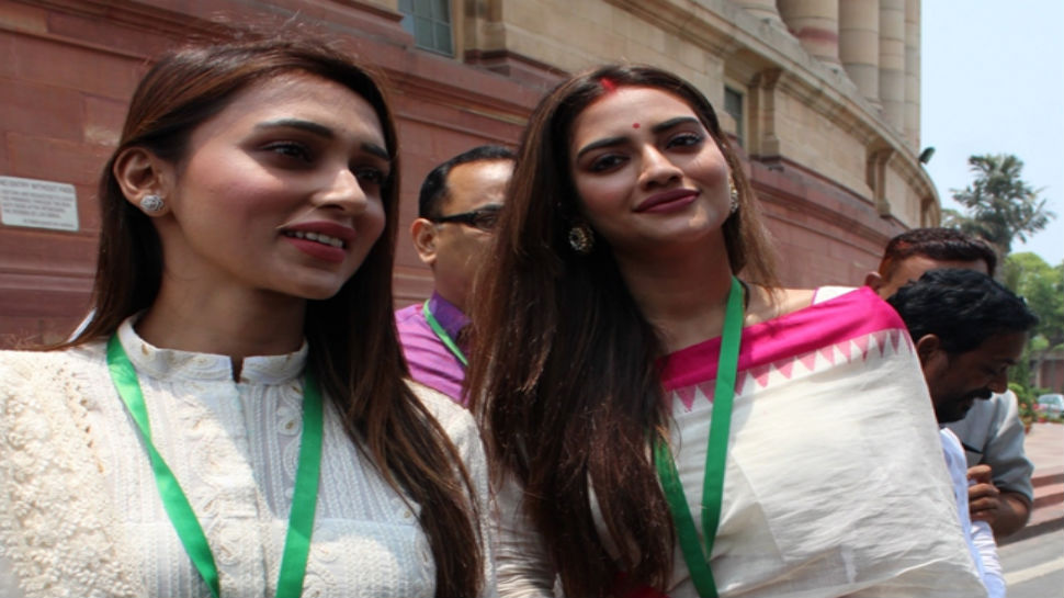 -tmc-mps-nusrat-jahan-mimi-chakraborty-take-oath-as-lok-sabha-members