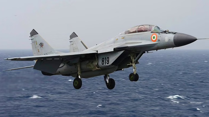 MiG-29K trainer aircraft crashes into Arabian Sea