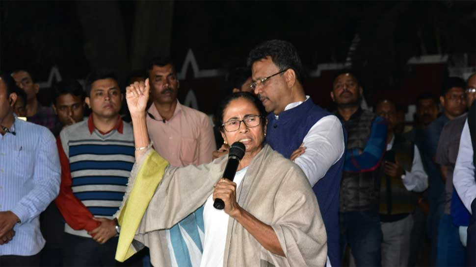 Mamata Banerjee agrees to live coverage of meeting with protesting docs