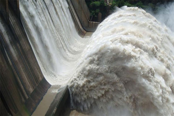 "Srisailam Dam Spillovers due to ""Wave Effect"""
