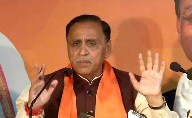Gurarat CM Vijay Rupani assumes office