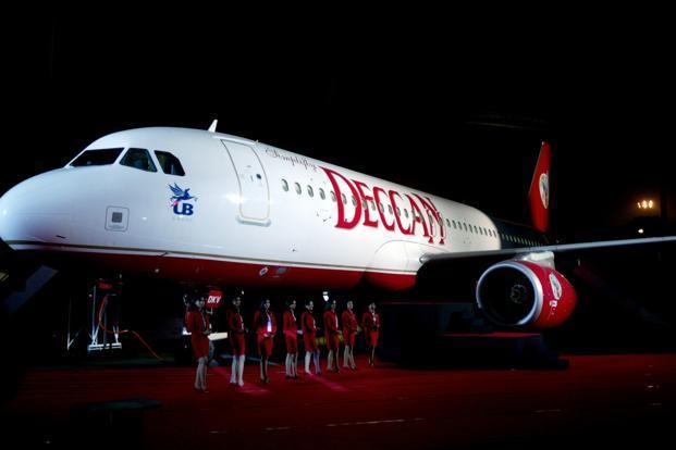 Air Deccan restarts flight services