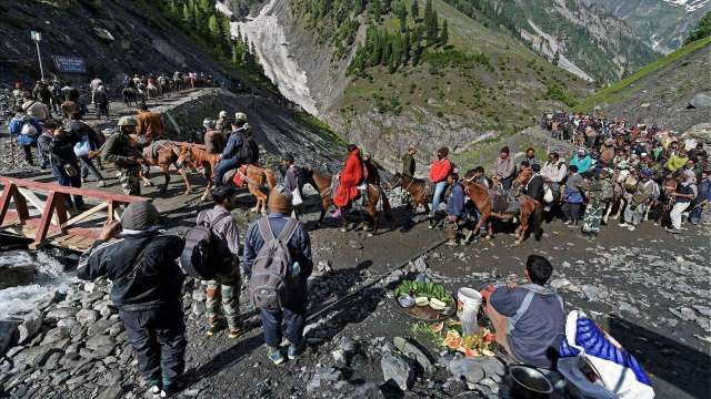 J&K: Third batch leaves for Amarnath yatra