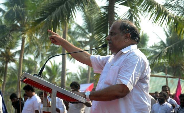 Mudragada Padmanabham begin fast-unto-death for Kapu reservation