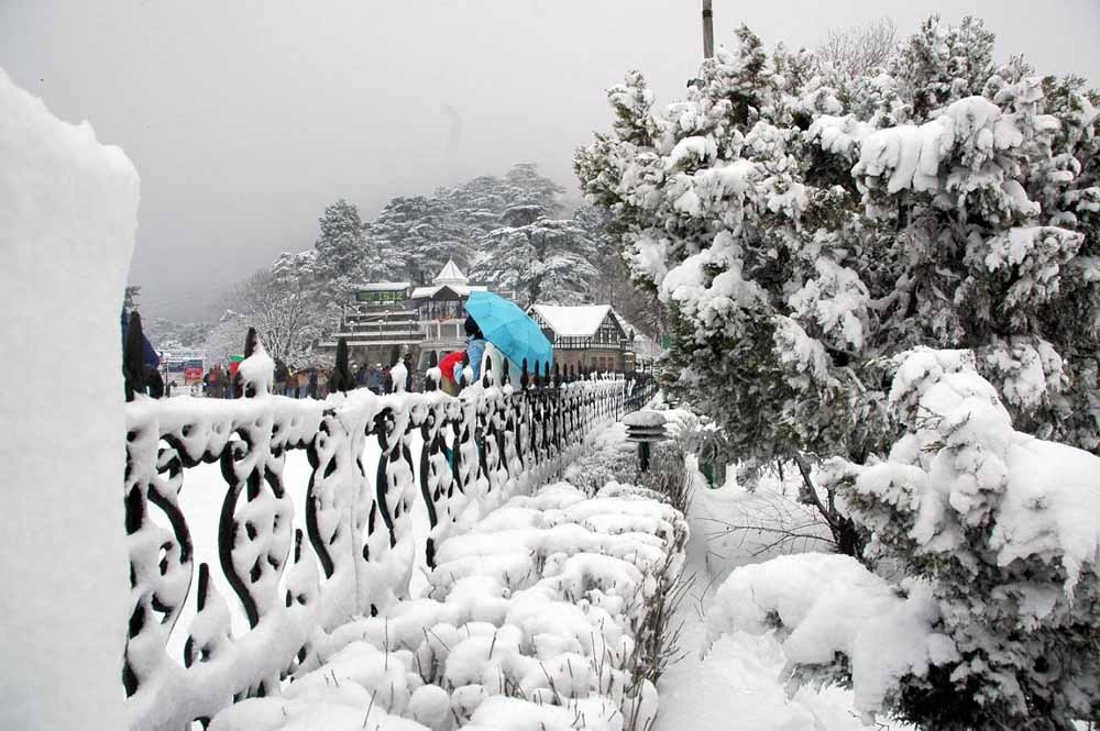 Cold wave prevails over north India due to snowfall and rains