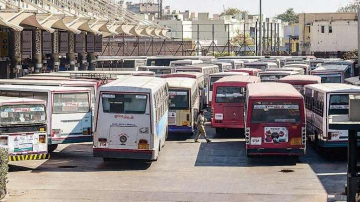 centreallowsstatesutstohirespecialbusesfortransportationoftrainpassengers