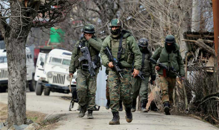 Army Personnel allegedly thrash 7 cops in Kashmir, complaint filed