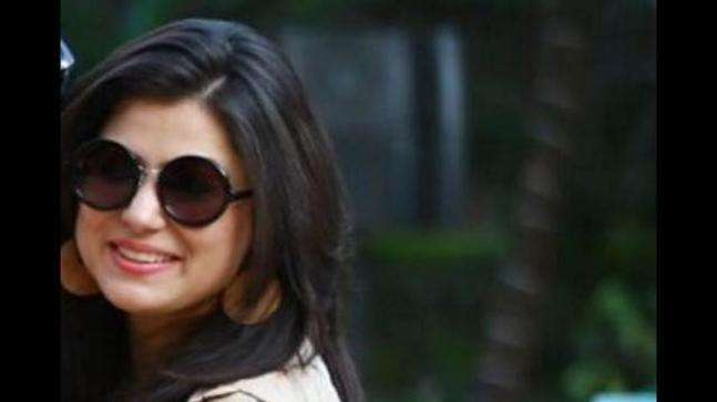 Radio Jockey dies after her car falls into open drain in Noida