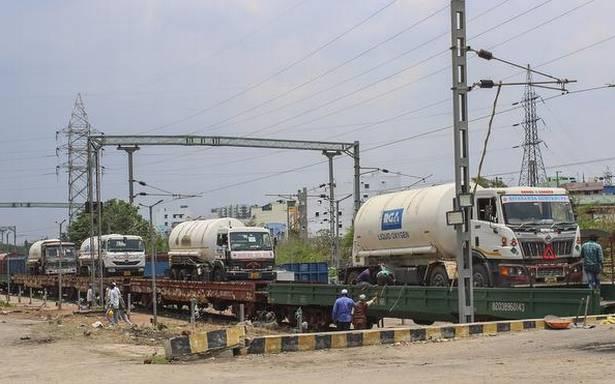 Indian Railways delivered 2,960 MT of liquid oxygen to states through Oxygen Express trains