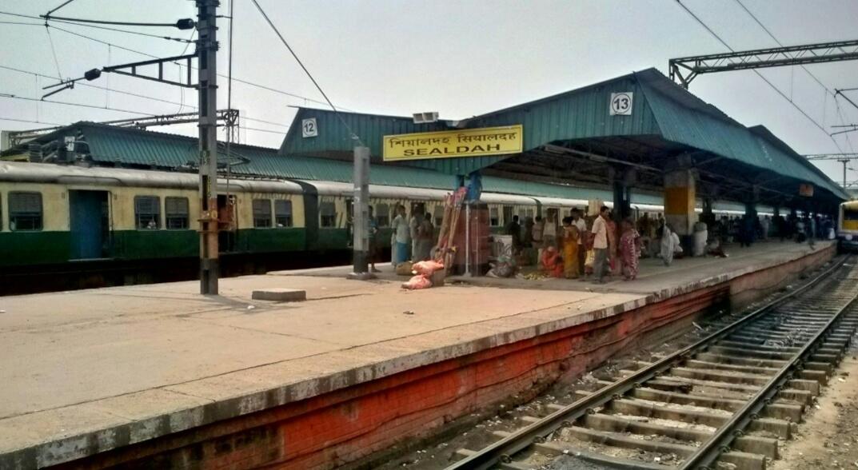 EMU hits platform buffer at Sealdah station, 21 injured