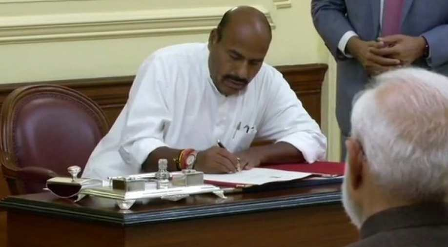 Virendra Kumar takes oath as Pro tem Speaker