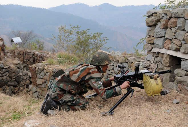 Pak shells forward areas along LoC in Rajouri