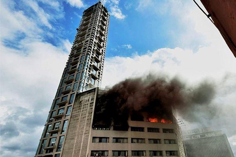 firebreaksoutatcentralkolkatabuildingsbiofficegutted