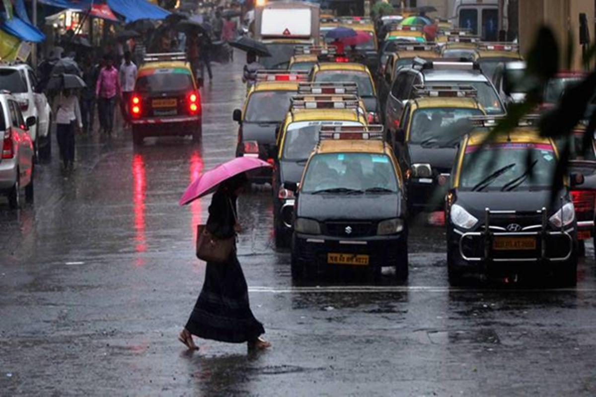 Mumbai get pre-monsoon showers