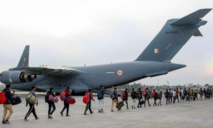 IAF airlifts more than 700 stranded passengers from Jammu to Srinagar