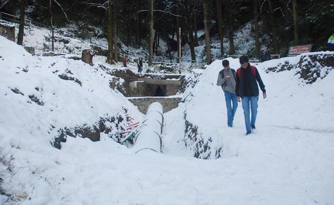 Fresh snowfall in Shimla, Kufri, Dalhousie