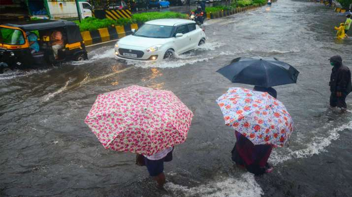 Heavy rains continue in Mumbai