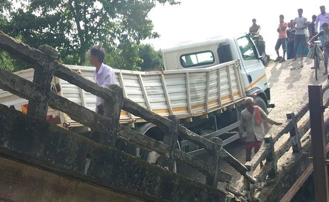 Another bridge collapsed near Siliguri in Darjeeling district, West Bengal