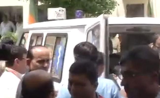 Sanwarlal Jat collapses at Shah