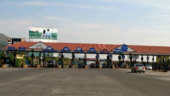 Maharashtra Govt announces toll waiver for Mumbai-Pune Expressway