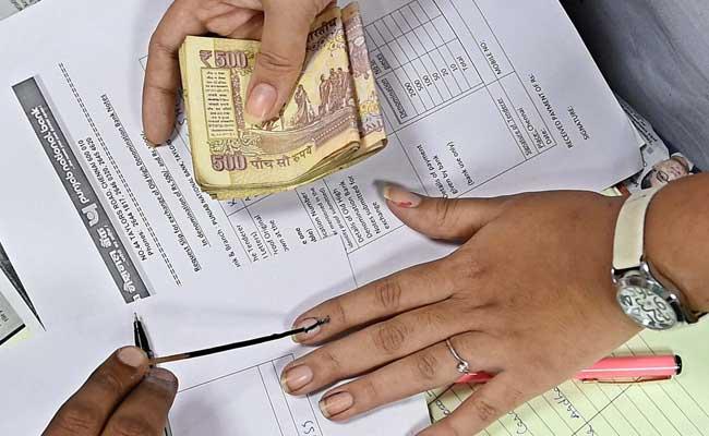 pil-seeks-supreme-court-diktat-to-rbi-on-ttds-old-notes