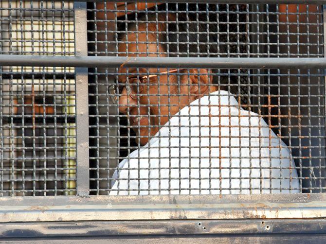 ED team reaches Tihar Jail to question Chidambaram