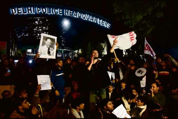 jnuviolence:delhihcaskswhatsappgoogletoprovideinformationsoughtbypolice