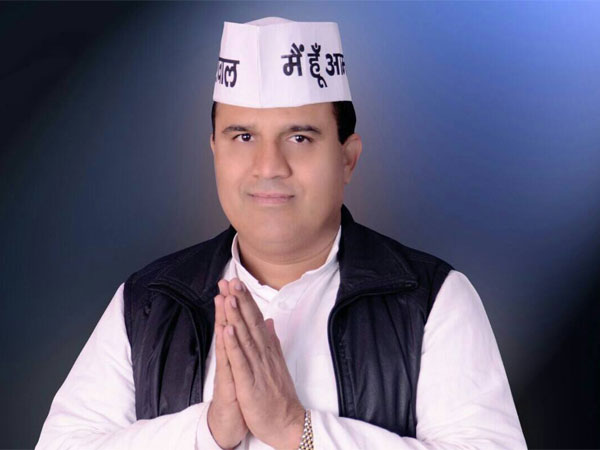 AAP MLA Ved Prakash joins BJP ahead of civic polls in Delhi