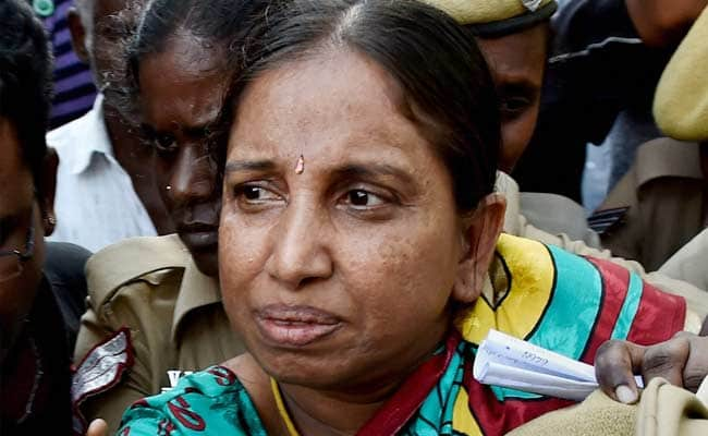 Rajiv Gandhi Assassination case convict Nalini Sriharan comes out of Jail in TN