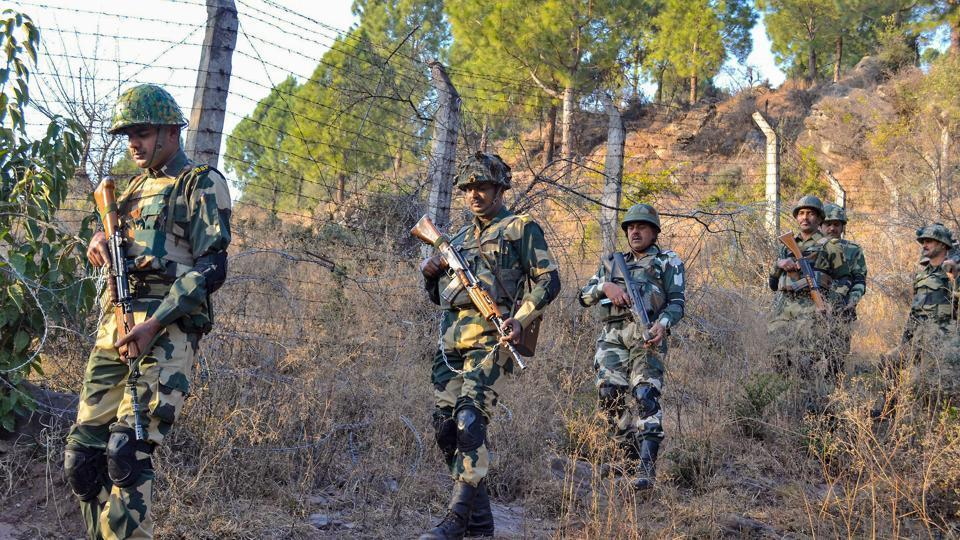 Pakistani troops resort to indiscriminate firing in Poonch district, J&K