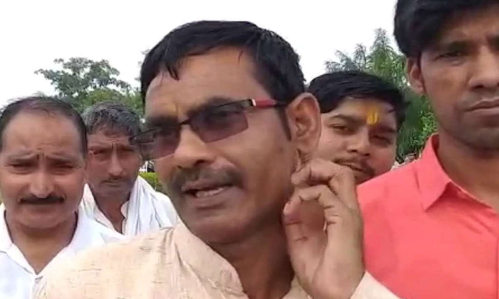 UP BJP MLA Vikram Saini calls entire Nehru family