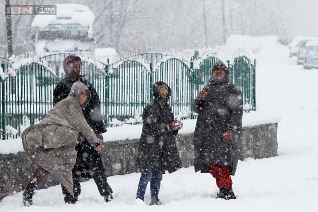 Jammu and Kashmir receives fresh snowfall