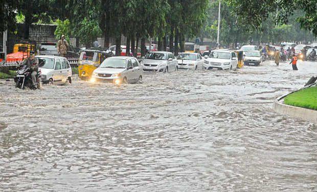 Heavy rain lashes north coastal Andhra Pradesh,killing 11 people